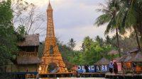 Menara Eiffel dari Bambu di Denda Seruni